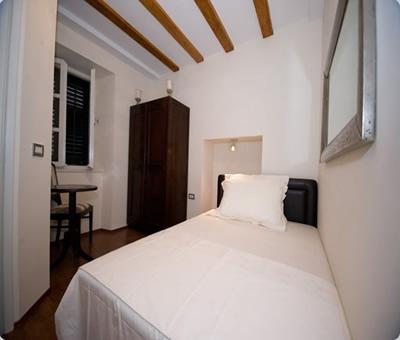 Paloma I Room