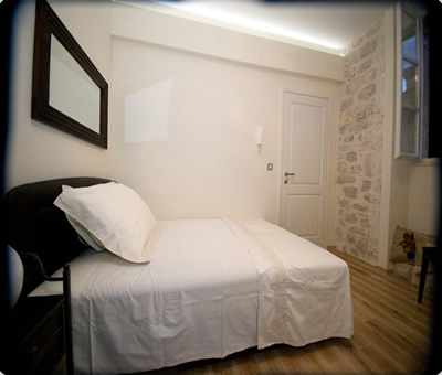 Paloma II Room